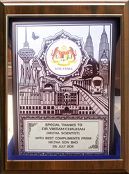 Dr. Vikram Chauhan - Received Award from Malaysian Healthcare SDN BHD